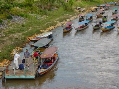 ล่องเรือตามลำน้ำกกจากท่าตอนไปเชียงราย 1
